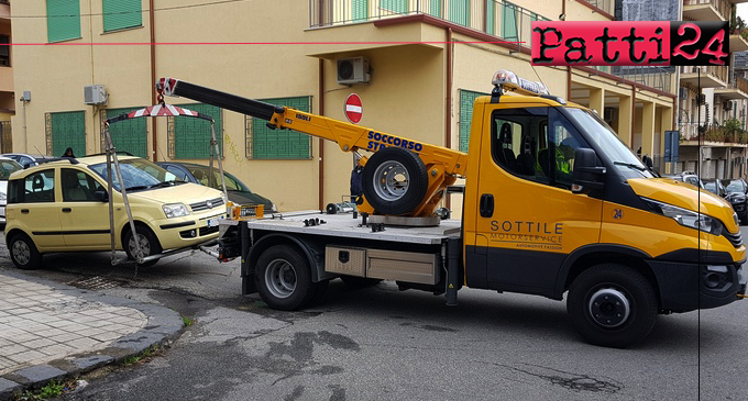 MESSINA – Parcheggio selvaggio. I marciapiedi restituiti alla fruizione dei pedoni