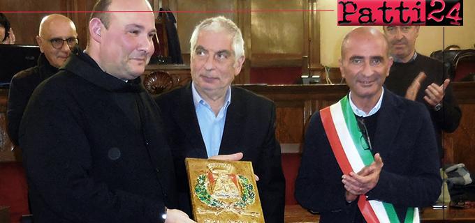 MILAZZO – Conferita la cittadinanza onoraria a padre Mario Savarese