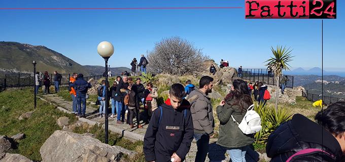 """PATTI – """"Erasmus plus"""". Studenti e  insegnanti ospiti dell'I.C. Radice in trasferta a Galati."""