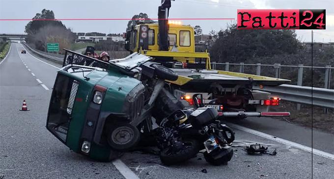 A20 – Anziano in motoape sull'autostrada in contromano provoca grave incidente.