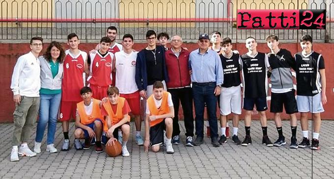 """PATTI – Campionati Sportivi Studenteschi. Il """"Borghese Faranda"""" si è imposto nella fase distrettuale del basket 3 contro 3."""
