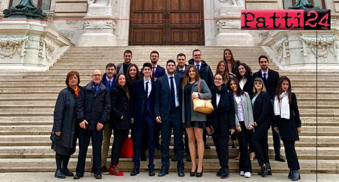Messina visita alla camera dei deputati organizzata for Ieri alla camera dei deputati