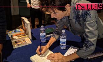 """PATTI – """"Progetto Lettura"""". La scrittrice Carla Maria Russo ha incontrato gli studenti."""