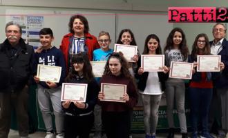 """PATTI – Si è concluso alla """"Pirandello"""" il corso di pittura tenuto dal maestro Antonino Gaglio"""