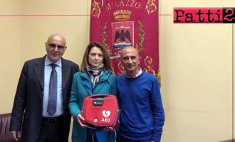 MILAZZO – Consegnato al sindaco Formica il defibrillatore donato dall'imprenditore Rosta