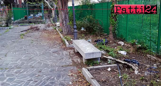 PATTI – Il Parco Robinson versa in una situazione davvero indecorosa, inqualificabile ed inaccettabile.