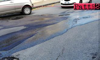 PATTI – Da giorni perdita d'acqua all'incrocio tra le vie Crispi, Sant'Antonino e Fontanelle.