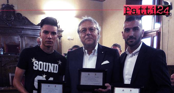 MILAZZO – Consiglio comunale premia due calciatori milazzesi e il presidente Cannistrà