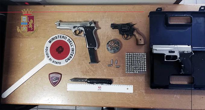 MESSINA – Pistola e coltello nel borsello. 65enne denunciato per porto d'oggetti atti ad offendere e procurato allarme