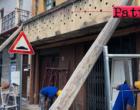 BROLO – Trascorso il termine concesso ai proprietari, il Comune ha iniziato i lavori di messa in sicurezza di edificio pericolante.