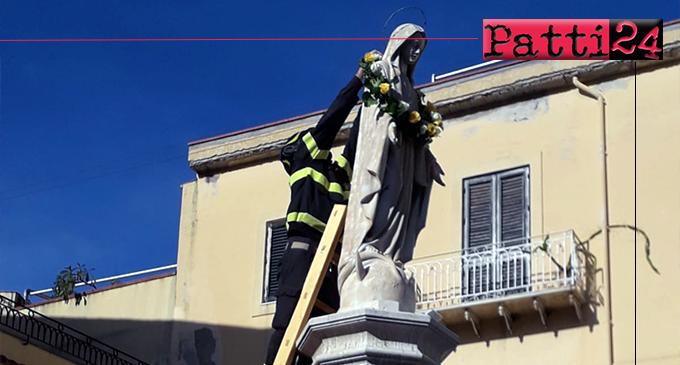 PATTI – Sistemata dai Vigili del Fuoco una corona di fiori sulla statua della Madonna Immacolata.