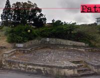 """PATTI – Storica terrazza """"Canapè"""". Abbandono e usura potrebbero cancellare questa testimonianza."""