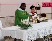 """PATTI – Don Paul Bamogo, del Burkina Faso ospite delle parrocchie """"Sacro Cuore di Gesù"""" e """"San Michele Arcangelo"""""""
