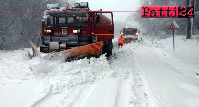 NEBRODI –  Emergenza neve, mezzi e operatori in azione per garantire la percorribilità delle strade provinciali.