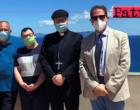 """GIOIOSA MAREA – Il Vescovo Giombanco e il Direttore Generale dell'ASP La Paglia visitano il """"Villaggio della Speranza""""."""