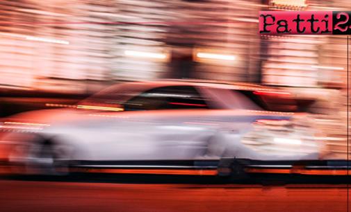 PATTI – Gran Premi di velocità nel centro urbano tra auto, moto e pullman di linea.