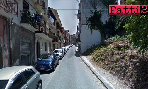 PATTI – Centralissima Via Nicolò Gatto Ceraolo. Parcheggio impossibile per i residenti.