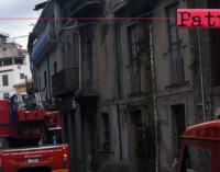 SAN PIERO PATTI – Vento a raffiche, spazzata via tettoia di 16 mq che finisce su altro fabbricato abitato.
