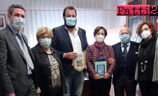 """PATTI – All'I.C. """"Pirandello"""", donato tablet per alunno in difficoltà economiche."""