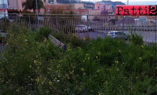 PATTI – Parcheggio via De Gasperi. Incuria ed abbandono