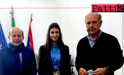 """MILAZZO – """"Port to Port"""". Il regista Rai Sciacca e miss Italia 2020 incontrano Midili"""