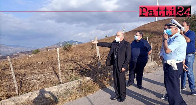 CASTEL DI LUCIO – Gli allevatori raccontano al vescovo mons. Giombanco la notte di ansia e paura vissuta per gli incendi fra il 4 e 5 agosto